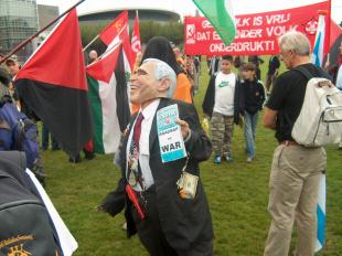 Demonstratie 23 september: Breek met Bush!