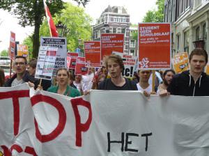 Foto's van het protest tegen het leenstelsel in Amsterdam op vrijdag 27 juni