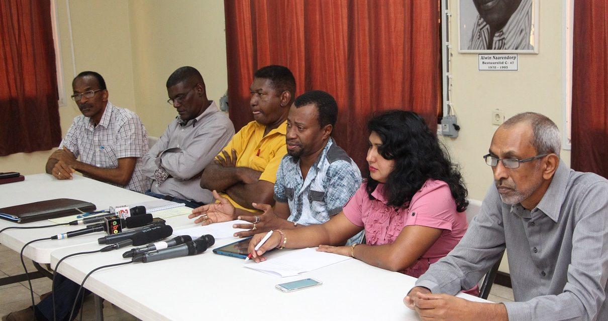 De Surinaamse vakbond: 'de broekriem kan niet meer strakker!'